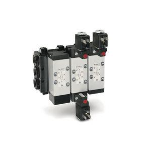 pneumatically-operated pneumatic directional control valve