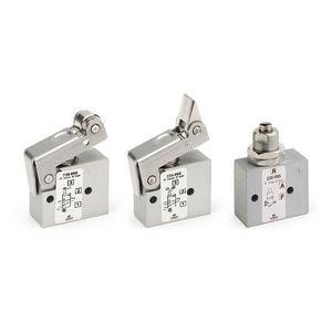 miniature pneumatic directional control valve