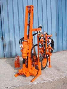 micropile drilling rig / wheeled / rotary / hydraulic