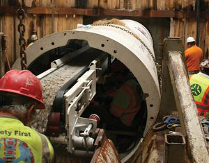 double-shield tunnel boring machine