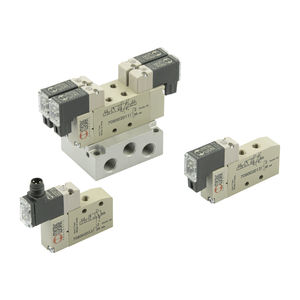 spool pneumatic directional control valve / pneumatically-operated / solenoid-operated / 3/2-way
