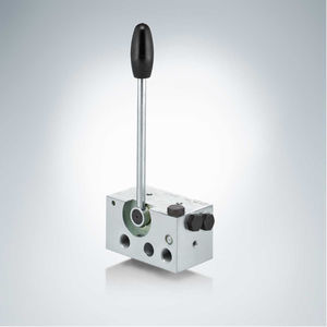 poppet hydraulic directional control valve / lever-operated