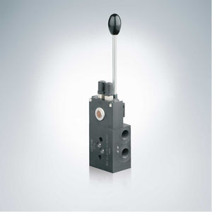 manual valve / hydraulically-operated / pressure-reducing / for oil