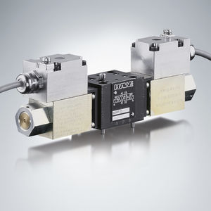 spool hydraulic directional control valve / solenoid-operated / proportional / compact