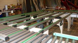 belt conveyor / for wood / belt-driven / transfer