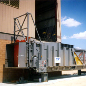 stationary waste compactor / mixed / for transfer stations