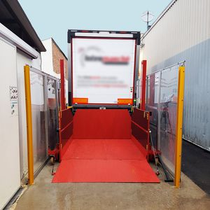loading platform / roller / for trucks / hydraulic