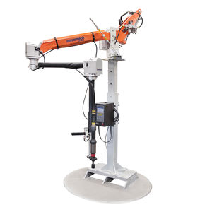 pneumatic manipulator arm