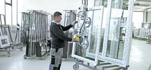 glass plate vacuum lifting device / electric / vertical / secure