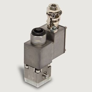 poppet hydraulic directional control valve / direct-operated / electrically-operated / 4/2-way