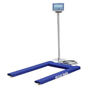 pallet scale with separate indicator