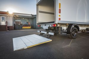 standard lift gate / for trucks