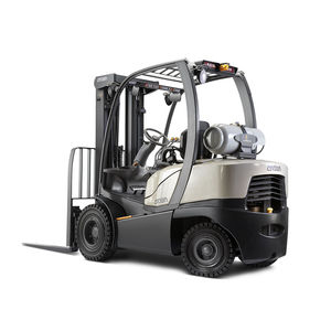 LPG forklift / ride-on / exterior / indoor