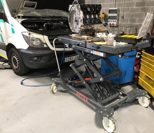 scissor lift table / hydraulic / mobile / loading