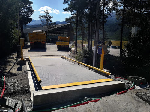 metal weighbridge / for vehicles / for heavy loads / for trucks