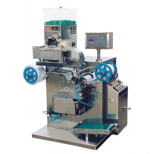 vertical bagging machine / stick pack / for the medical industry / for the pharmaceutical industry