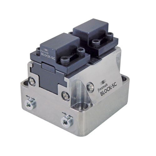 machine tool vise / hydraulic / self-centering