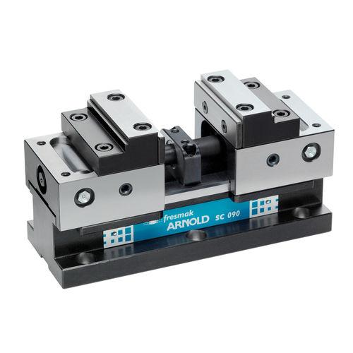machine tool vise / horizontal / interchangeable jaws / self-centering