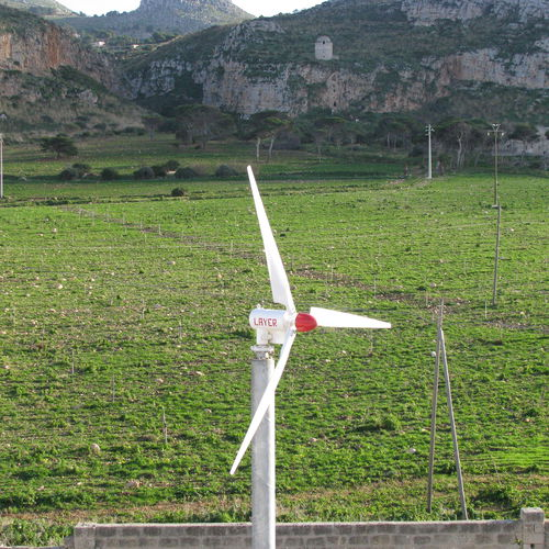 permanent magnet direct-drive wind turbine