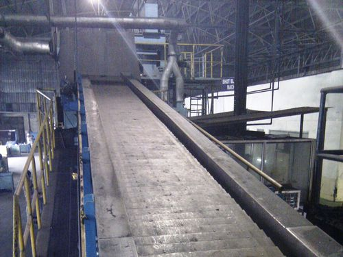 hinged belt conveyor / for the metallurgical industry / inclined / mesh belt