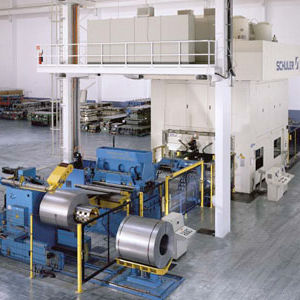 coil feeding line for the automotive industry