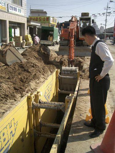 lightweight trench shoring system