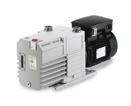 rotary vane vacuum pump / lubricated / two-stage / compact