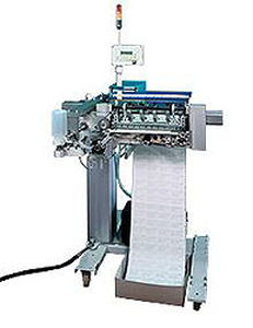 automatic labeler / for self-adhesive labels / in-line / top