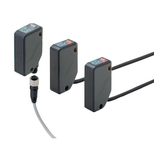 diffuse reflective photoelectric sensor / rectangular / infrared / IP67