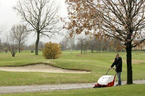 walk-behind sweeper / battery-powered