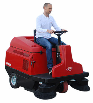 ride-on sweeper / battery-powered / gasoline