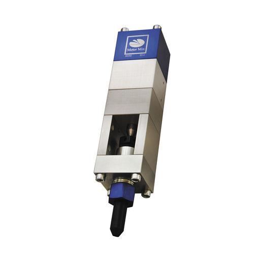 needle dispensing valve