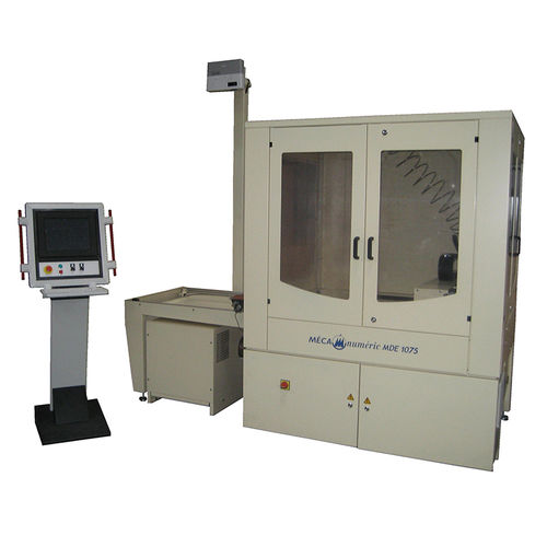 rubber cutting machine / textile / for leather / water-jet