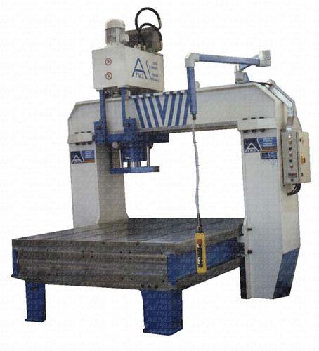hydraulic press / straightening