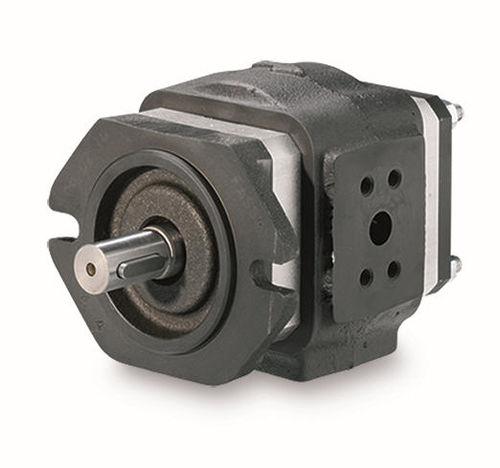 hydraulically-operated pump