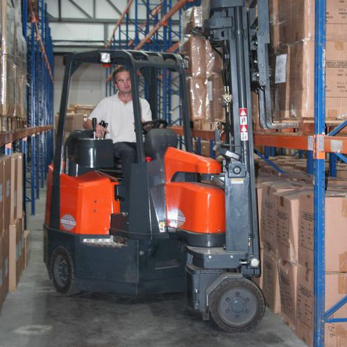 electric forklift / ride-on / for very narrow aisles / storage