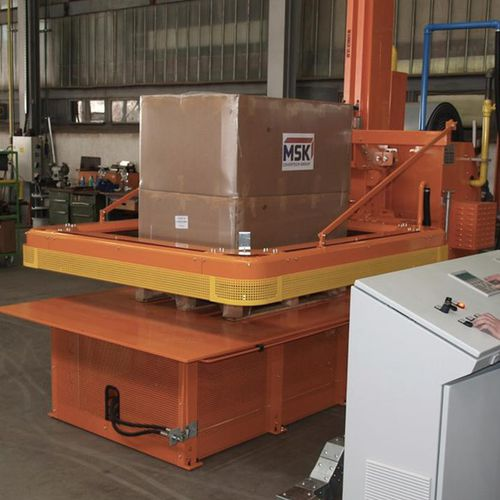 semi-automatic hood machine / shrink film / package / for loads
