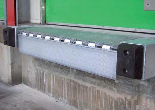 folding loading ramp