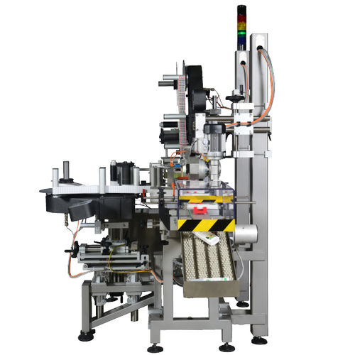automatic labelling machine / for bottles / wrap-around / top