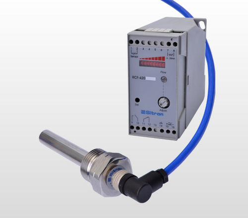 thermal flow transmitter / for liquids