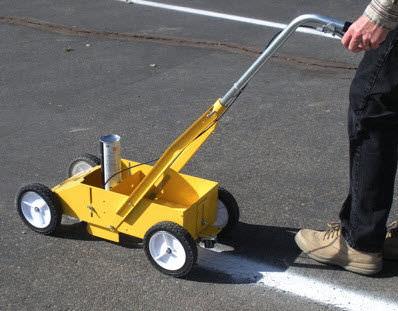 road paint striping machine