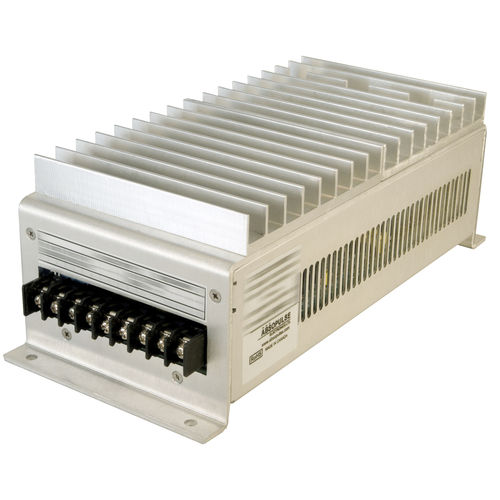 enclosed DC/DC converter / regulated / industrial / for railway applications