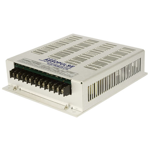 chassis-mounted DC/DC converter / enclosed / regulated / industrial