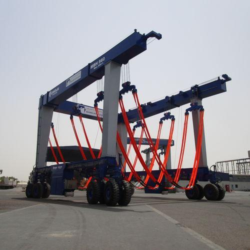 heavy load travel lift