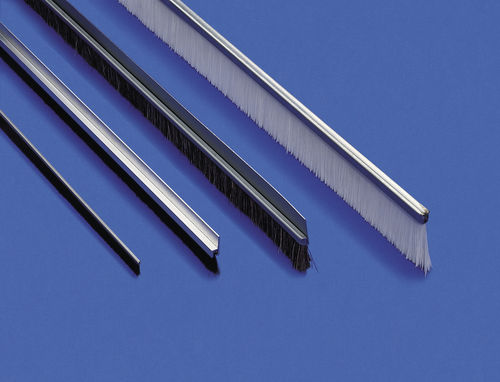 strip brush / for guidance / sealing / for wiping