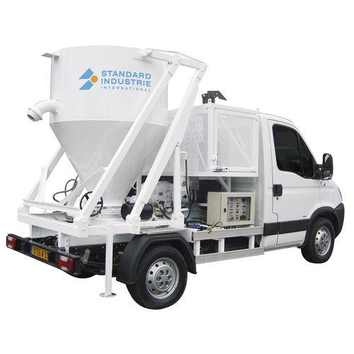 vacuum-loader truck