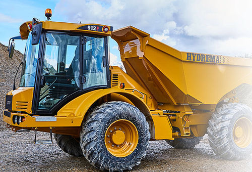 articulated dump truck / diesel / mining and quarrying