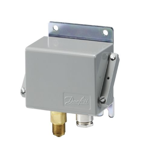 liquid pressure switch / diaphragm / differential / compact
