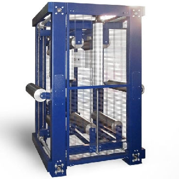 fabric accumulator with mobile rollers