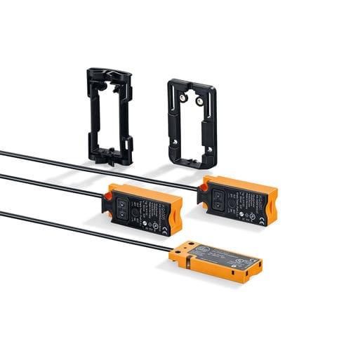 capacitive proximity sensor / rectangular / small-size / with IO-Link interface